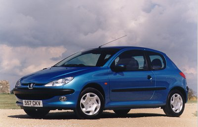 peugeot news 206 leads peugeot to sales record 9 october 2000. Black Bedroom Furniture Sets. Home Design Ideas